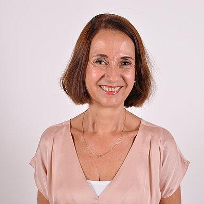 Profª. Drª. Cássia Regina Mariano