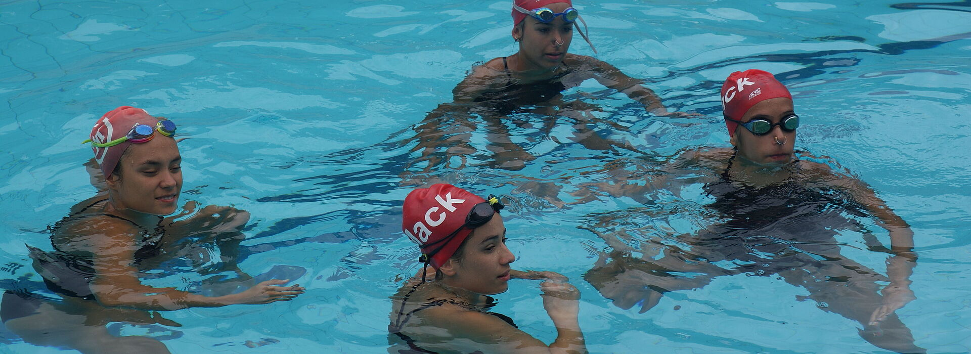 Equipe de nado sincronizado do Mackenzie Brasília.