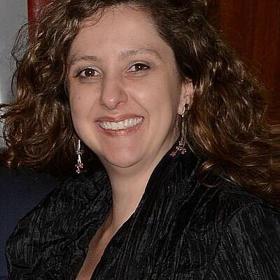 Profa. Ms. Luciana Guerreiro Sabbadini