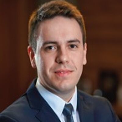 Prof. Lucas Tavares dos Santos