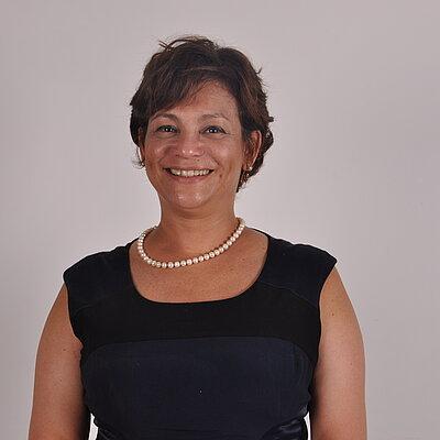 Prof.ª Dr.ª Roberta Monterazzo Cysneiros