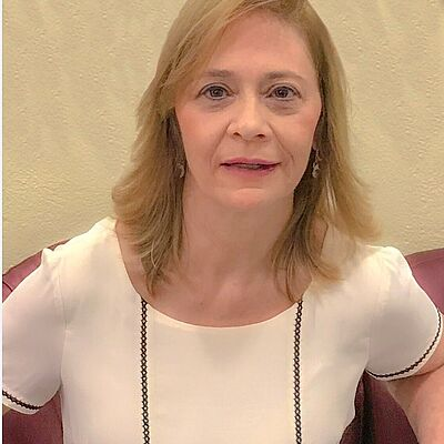 Profa. Dra. Célia Regina Moretti Meirelles