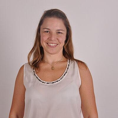 Prof.ª Dra. Camila Sacchelli Ramos