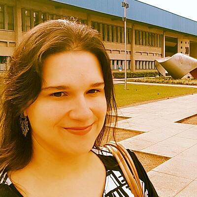 Profa. Dra. Elaine Cristina Borges