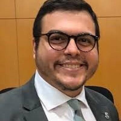 Prof. Ms. Lourenço de Miranda Freire Neto
