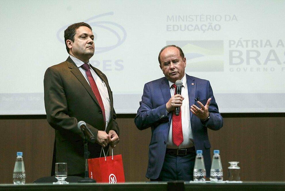 Anderson Correia, presidente da CAPES, e Benedito Guimarães Aguiar Neto, reitor da UPM.