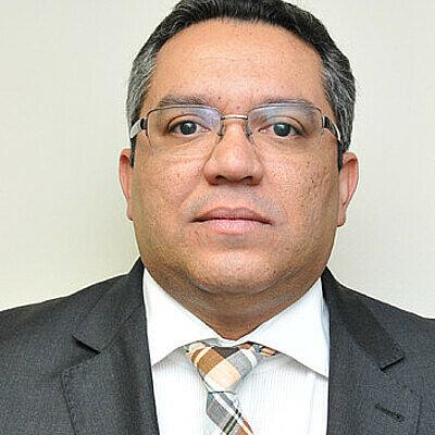 Dr. Antônio César de Araújo Freitas