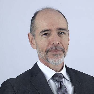Prof: Ms. Raul Mariano Júnior