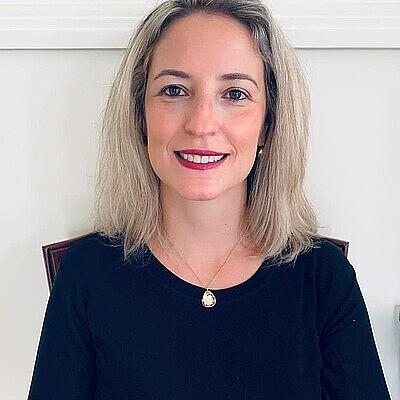 Profa. Ms. Manuela Santin Souza de Stefano