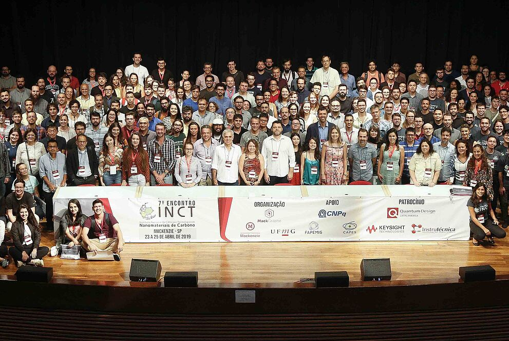 Participantes do evento reunidos no Auditório Ruy Barbosa.