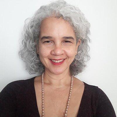 Profa. Dra. Renata Mendes de Araújo
