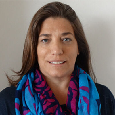 Prof.ª Cibelle A. de La Higuera Amato Ph.D