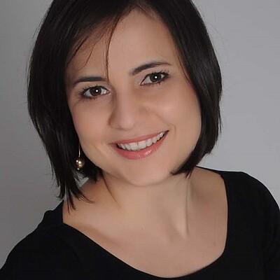 Profa. Ms. Tharsila Helena Paladini Augusto