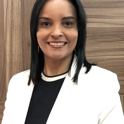 Profa. Dra. Andresa Silva Neto Franscischini