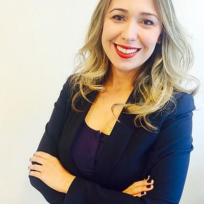 Profa. Esp. Andresa Henriques de Souza