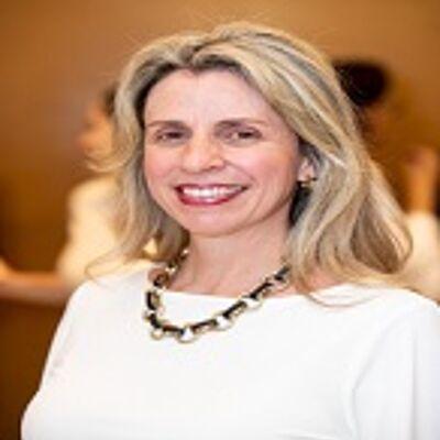 Profa. Dra. Ana Cláudia S. Scalquette