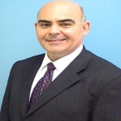 Prof. José León