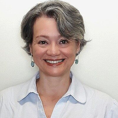 Prof. Dr. Adriana Benetti Marques Válio
