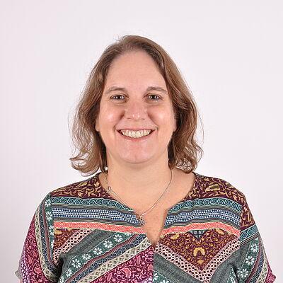 Profª. Drª. Paula Raquel R Jorge