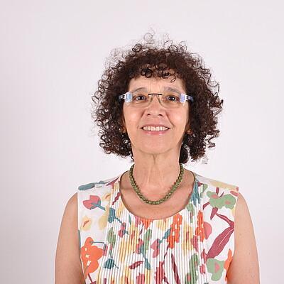 Profª. Ms. Cintia Bertoni Bueno Martha Chirenti