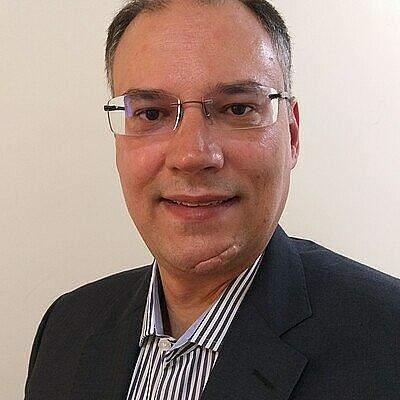 Prof. Dr. Douglas Dias Bastos