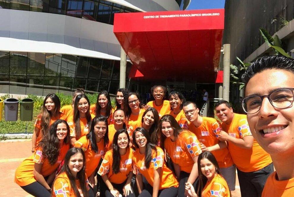Voluntários no Centro de Treinamento Paraolímpico Brasileiro