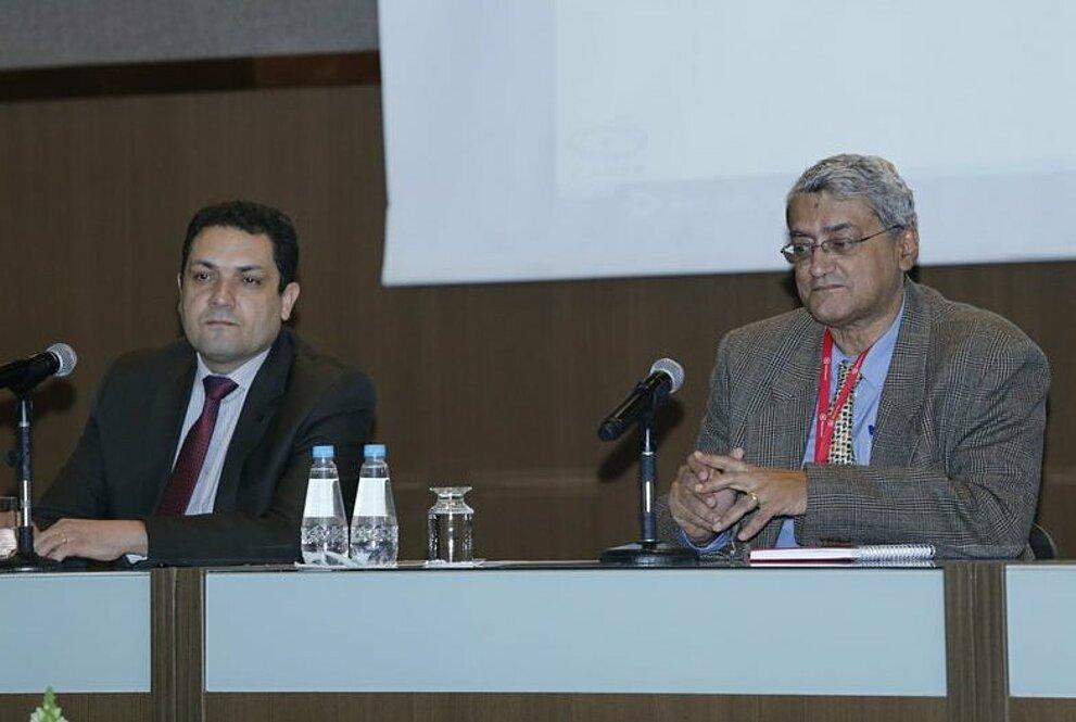 Mesa composta por Anderson Correia e Paulo Batista Lopes, pró-reitor de Pesquisa e Pós-Graduação Stricto Sensu da UPM.