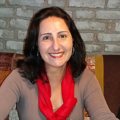 Profa. Dra. Veronica Altef Barros