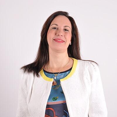 Profª. Drª. Renata Correa Nieto